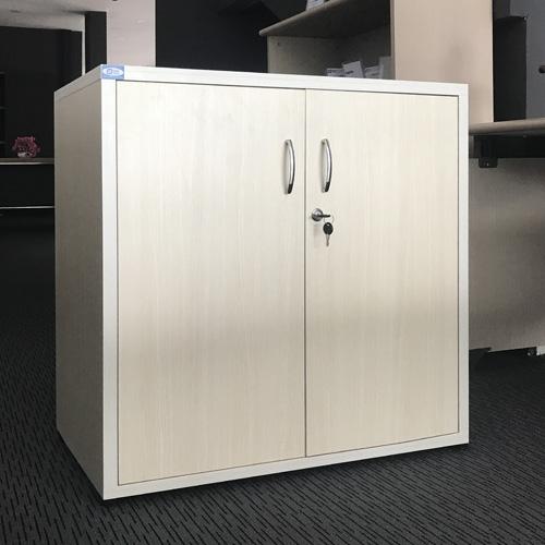 Chất liệu gỗ MFC mang đến độ bền cao cùng màu sắc đẹp cho tủ ARC800V25-2C